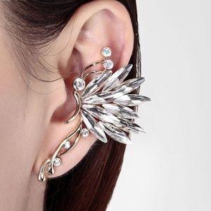 🦋 New list! 🦋 Butterfly ear-cuff
